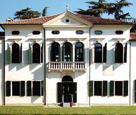 Villa Simion: lato sud, facciata del corpo centrale
