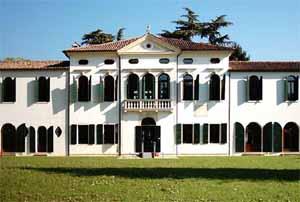 Villa Simion: lato sud, veduta parziale
